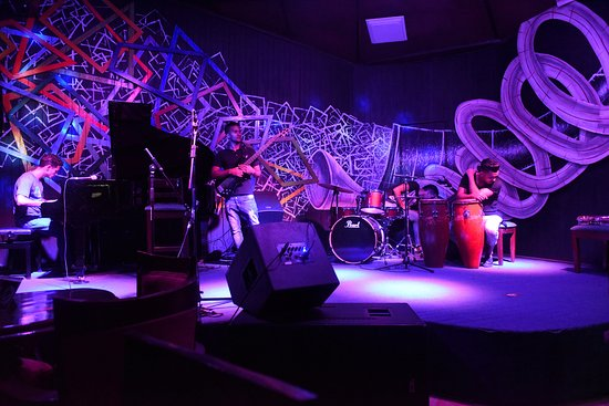band-setting-up